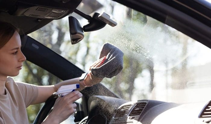 how to clean the inside of a windshield