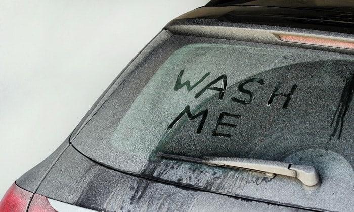 washing-car-in-winter