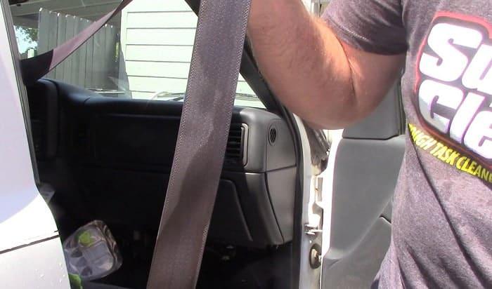 car-seat-belt-cleaner