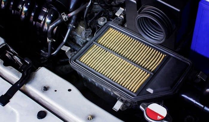 clean-car-air-filter
