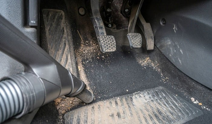 drying-out-flooded-car-carpet