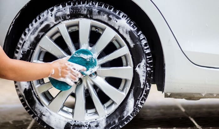 how to clean car wheels and rims