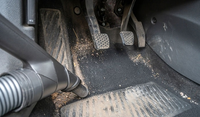 how-to-dry-wet-car-carpet