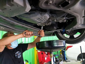 car-carburetor-cleaning
