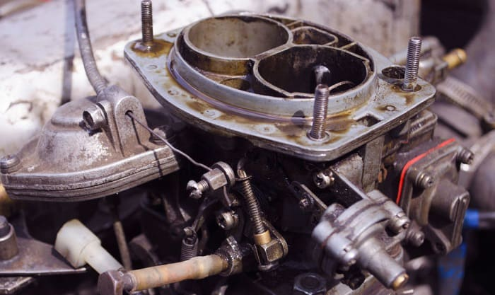 clean-a-car-carburetor-without-removing-it