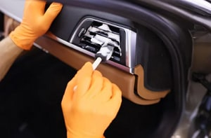 spray-Lysol-in-my-car-vents