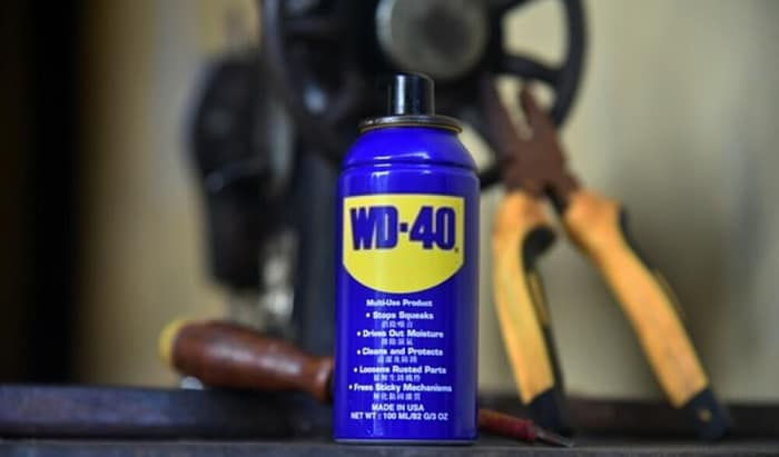 wd40-to-remove-tar-from-car